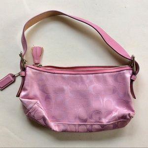COACH a pink logo bag like new signature zip